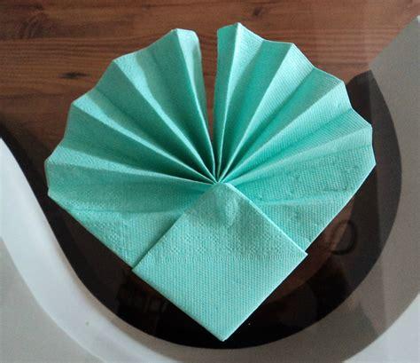 pliage serviette en papier facile