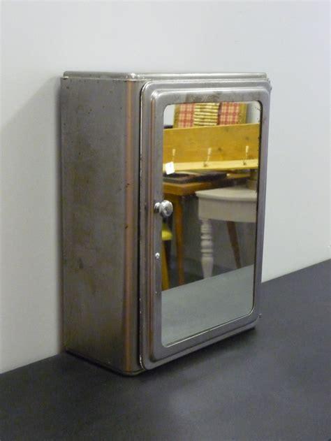 17 meilleures images 224 propos de armoires de toilette sur armoires anciennes