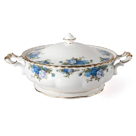 Gravy Boat Peter S Of Kensington by 1000 Images About Royal Albert Moonlight Rose By Royal