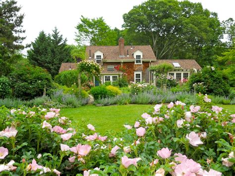 23 Dreamy Cottage Gardens  Hgtv's Decorating & Design