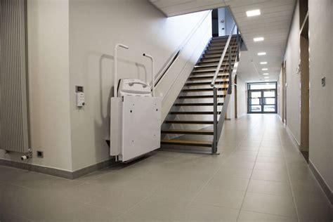 o 249 acheter un monte escalier ou plateau 233 l 233 vateur pour fauteuil roulant chez comfortlift