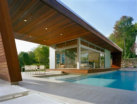 Outstanding Swimming Pool House Design By Hariri & Hariri