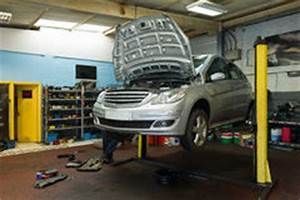 Auto In Der Garage : auto auf einer hebeb hne lizenzfreie stockbilder bild 38344519 ~ Whattoseeinmadrid.com Haus und Dekorationen