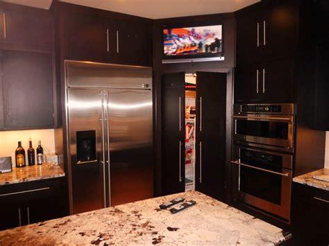 kitchen pantry for organized and neat kitchen trellischicago
