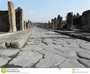 Main Street At The Ancient Roman City Of Pompeii Stock ...