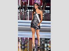 La corona de Miss Universo 2017 se la llevó DemiLeigh Nel