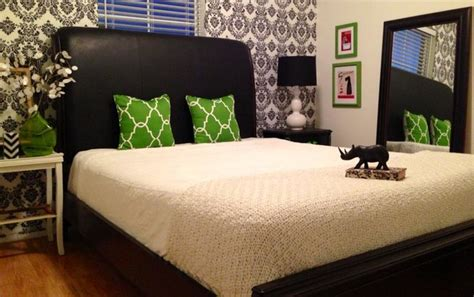Black, White, And Green Damask Guest Room-contemporary