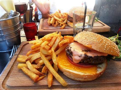 le hamburger de la penderie une tuerie maman moi
