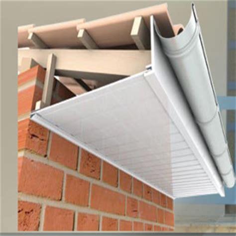pose lambris pvc avant toit maison design hompot