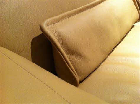 des coussins en cuir pour mon canap 233 de seanroyale