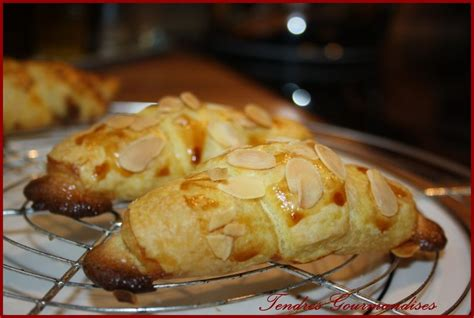 croissants aux amandes tendres gourmandises