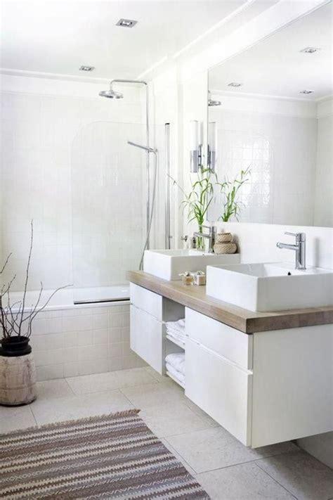 les 25 meilleures id 233 es de la cat 233 gorie salles de bains blanches sur salles de bains