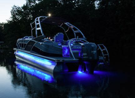 Boat Lights For Night Driving by 5 Common Boating Mistakes And How To Avoid Them Pontoon