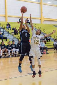 Huntingtown girls basketball eliminated by Oxon Hill in ...