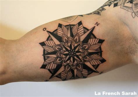 des vents tatouage mandala sur int 233 rieur bras biceps homme tatouages mandala biceps et