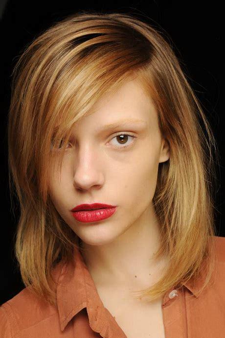 Lässiger haarschnitt