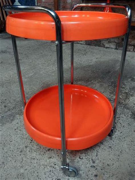 desserte 224 roulettes ronde plastique orange et chrome d 233 but des 233 es 70 233 e 70