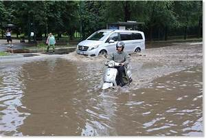 Severe storms and flash floods causes havoc in Milan ...