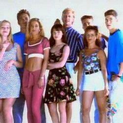 90er Mode Typisch : die besten 17 ideen zu 90er jahre mode auf pinterest 90er jahre outfit 90er mode und 90er outfit ~ Markanthonyermac.com Haus und Dekorationen