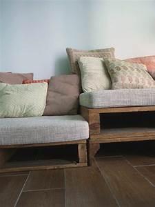 Matratze Auf Paletten : sofa aus paletten eine perfekte vollendung des interieurs ~ Markanthonyermac.com Haus und Dekorationen