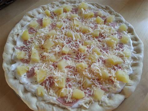 pizza au jambon de dinde base cr 232 me fra 238 che couzina fr cuisine du monde