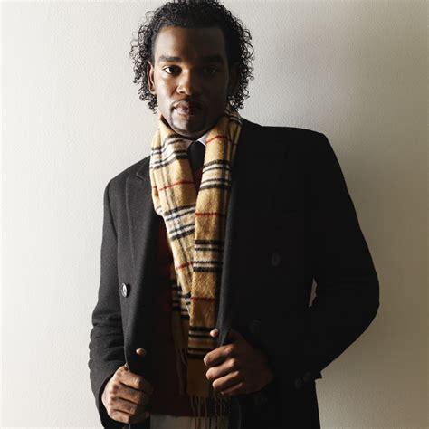 comment bien porter une 233 charpe un foulard ou un ch 232 che look mode