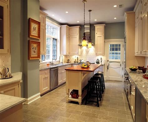 4 Steps To Choose Kitchen Paint Colors With Oak Cabinets Kitchen Table Makeover Rustic Photos Traditional Pictures Of Galley Kitchens Contemporary Tiles Cottage Style Countertops Revere Hotel