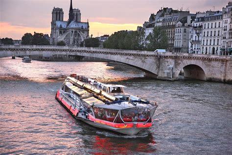 Paris Tourist Attractions For Honeymooners
