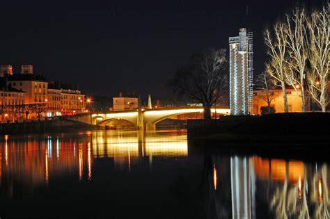 chalon sur sa 244 ne la nuit f22 20s 200iso panorama entier au http www fotolia id 11233493
