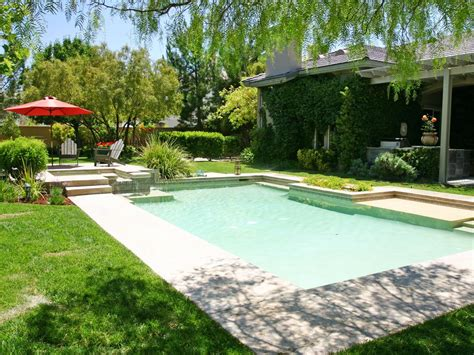 Garden Pool : Photo Page
