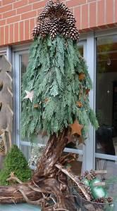 Weihnachtsdeko Für Draußen Basteln : selbst gemachter weihnachtsbaum h ngend schwebend winterdeko pinterest weihnachtsdeko aus ~ Whattoseeinmadrid.com Haus und Dekorationen