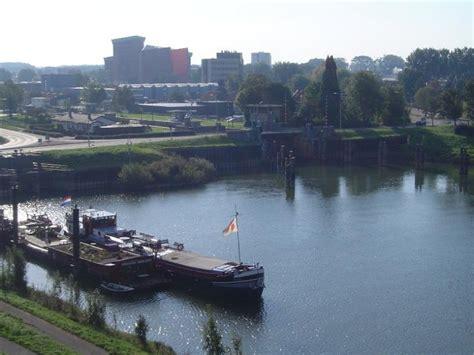 Ligplaats Almere Centrum by M S Oosterkim Charterschip