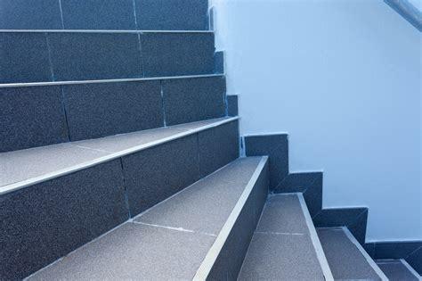 le carrelage pour un escalier dans quel cas et comment le choisir