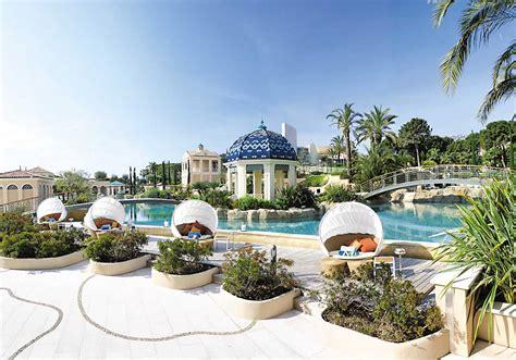 the monte carlo bay hotel resort cinnamon circle