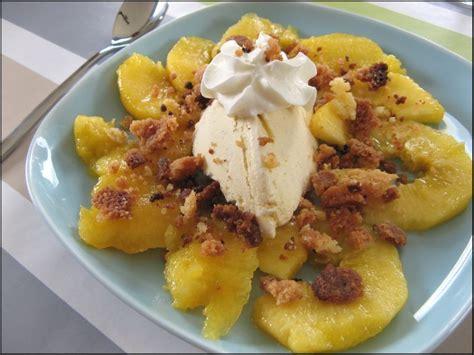 mangue glace vanille et crumble pour un dessert simplet et efficace a la table de gaelle