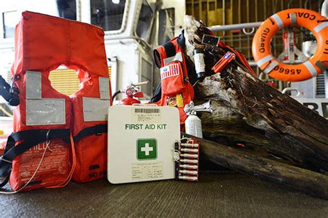 Boating Safety Jobs by Boating Safety Holiday Gift Ideas From The Coast Guard