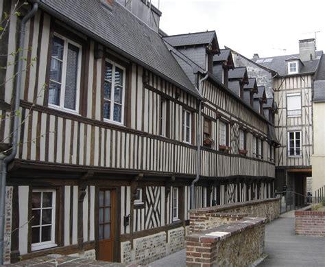 les maisons 224 colombages de troyes