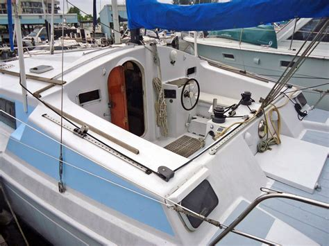 Prout Quest 33 Catamaran For Sale by 1986 Prout Quest 33 Cs Justsailboats