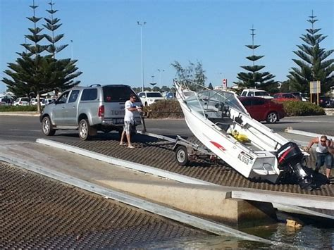 Boat Launch Gone Bad by Launching Docking And Trailering Gone Wrong Boatsellr Blog