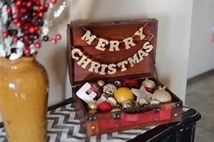 Alter Koffer Deko : weihnachtsdekoration mit vintage koffern ~ Markanthonyermac.com Haus und Dekorationen