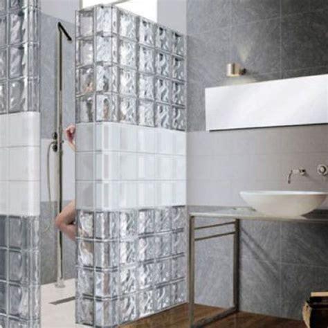 les 25 meilleures id 233 es concernant salle de bains brique sur fausse brique fond d