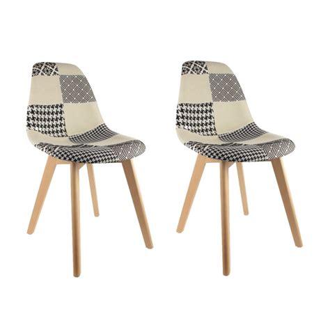 lot de 2 chaises pas cher au design scandinave patchwork noir et blanc