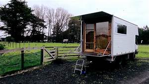 Living In The Box : couple living simply in diy box truck tiny house ~ Markanthonyermac.com Haus und Dekorationen
