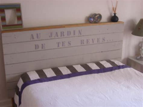 comment faire une tete de lit en bois maison design bahbe