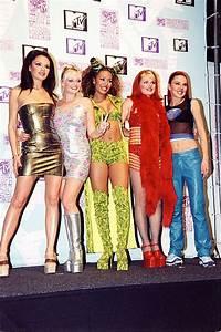 90er Mode Typisch : 90er jahre mode das haben die stars damals getragen s 8 ~ Markanthonyermac.com Haus und Dekorationen
