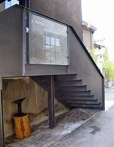 Treppenaufgang Außen Gestalten : treppe eingang streckmetall glas werkstatt giesserei oerlikon 02 zaun pinterest treppe ~ Markanthonyermac.com Haus und Dekorationen