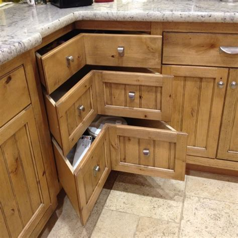 13 Corner Kitchen Cabinet Ideas To Optimize Your Kitchen