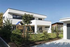 überdachte Terrasse Bauen : einfamilienhaus flachdach berdachte terrasse massivbau fensterfronten modern design ~ Markanthonyermac.com Haus und Dekorationen