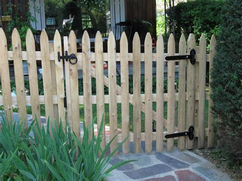 Fence - Gate : Picket Fence Gate