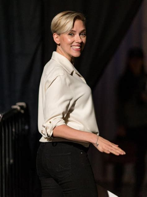 sofa king snl johansson colbert reveals batch of late show guests ny